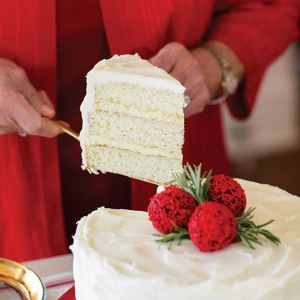 Ooey-Gooey-Butter-Layer-Cake-Recipe Christmas Treats