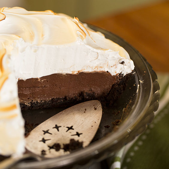 Chocolate Cream Pie with Swiss Meringue - Paula Deen Magazine