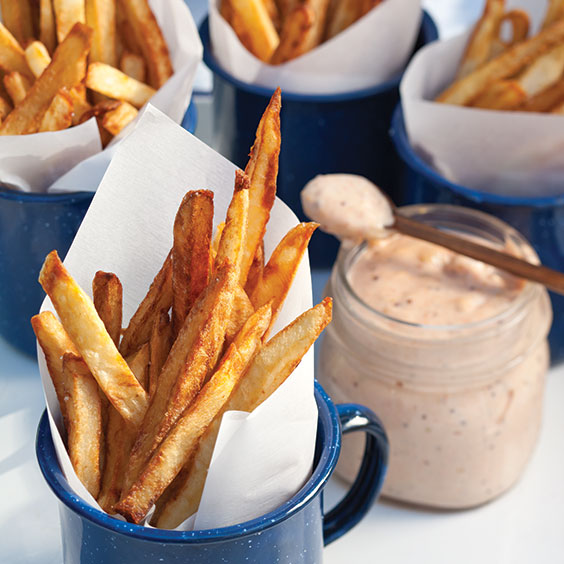crispy french fries with remoulade sauce