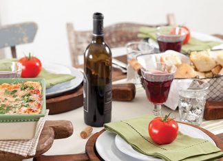 italian feast tablesetting