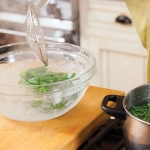 green beans in ice water