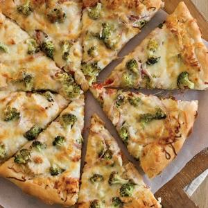 broccoli chicken pizza