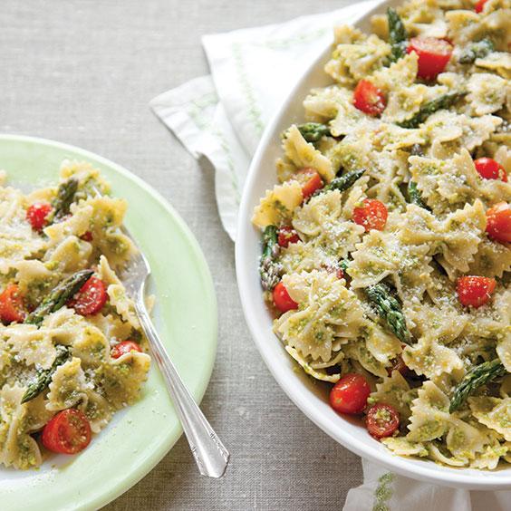 Fettuccine With Pesto, Asparagus, And Artichoke Recipes — Dishmaps
