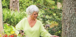 Paula Deen with hydrangea flowers