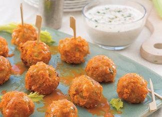 chicken meatballs in buffalo wing sauce