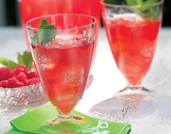 rhubarb-raspberry-cooler