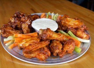 Kettle Black's chicken wings