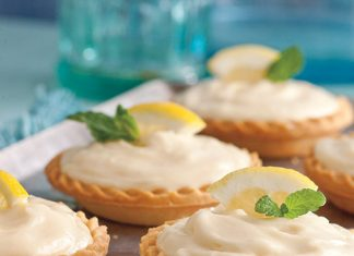 creamy lemon shortbread tarts