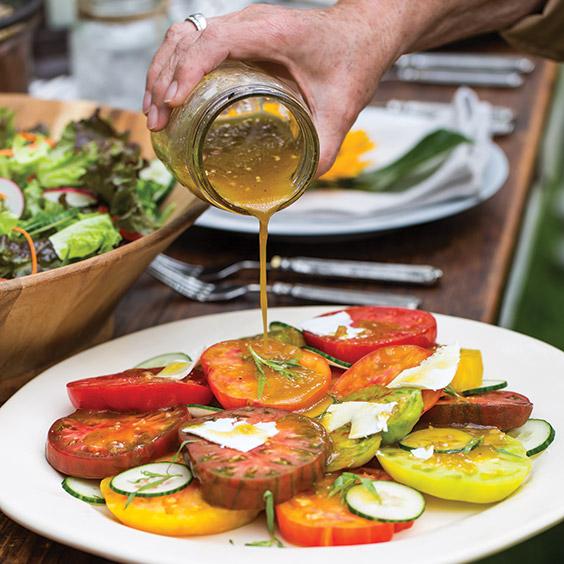 Heirloom Tomato Salad with Shallot Vinaigrette - Paula Deen Magazine