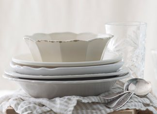 bowls for soups and stews