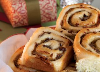 Caramelized Onion-Parmesan Yeast Rolls