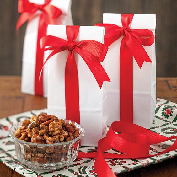 Christmas With Paula Deen 2017 Preview Paula Deen Magazine