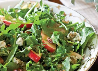 Apple-Pecan Spinach Salad